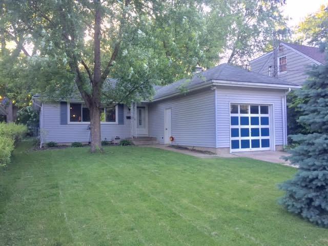 2203 N Flora, Peoria, IL 61604 (#1198973) :: Adam Merrick Real Estate