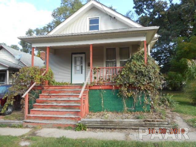 817 W Thrush Avenue, Peoria, IL 61604 (#1199118) :: Adam Merrick Real Estate