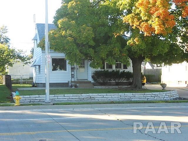 1428 W Forrest Hill Avenue, Peoria, IL 61604 (#1199136) :: Adam Merrick Real Estate