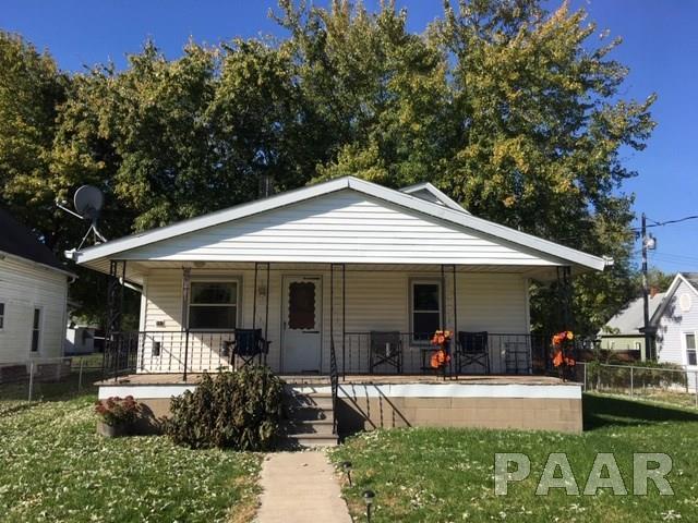 305 Fulton Avenue, St David, IL 61563 (#1199280) :: Adam Merrick Real Estate
