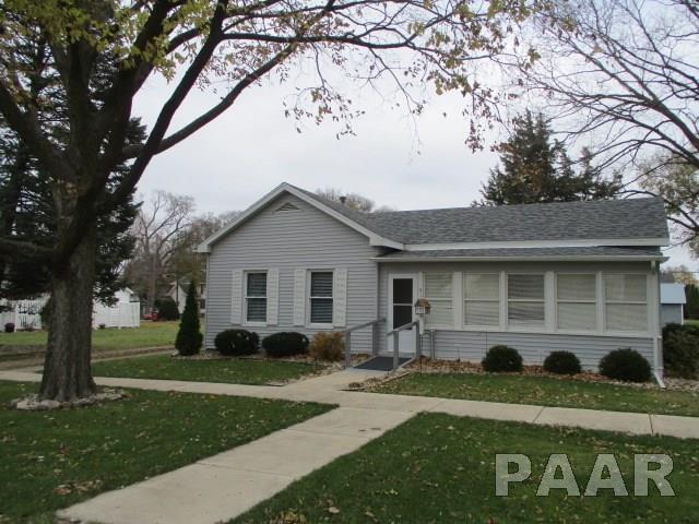 512 Main, Henry, IL 61507 (#1199712) :: Adam Merrick Real Estate