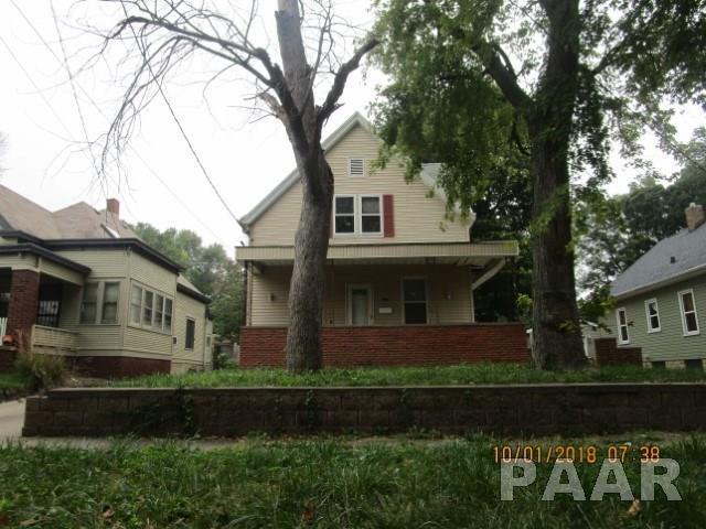 2318 N Central Avenue, Peoria, IL 61603 (#1200283) :: Adam Merrick Real Estate
