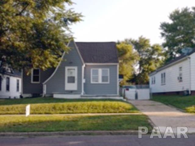 913 W Macqueen Avenue, Peoria, IL 61604 (#1200779) :: Adam Merrick Real Estate