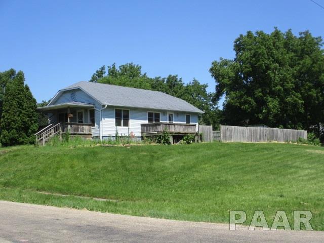 1304 Pine, Kewanee, IL 61443 (#1201748) :: Adam Merrick Real Estate