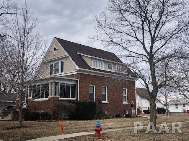 301 W Fremont Street, Elmwood, IL 61529 (#PA1202645) :: Adam Merrick Real Estate