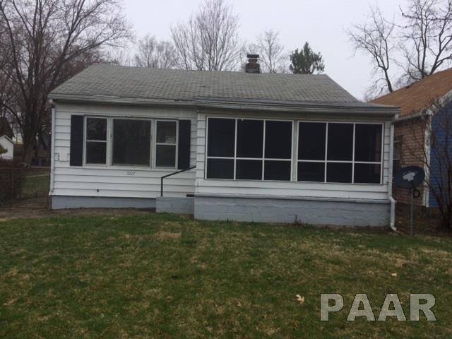 1007 E Nebraska Avenue, Peoria, IL 61603 (#PA1203386) :: Killebrew - Real Estate Group
