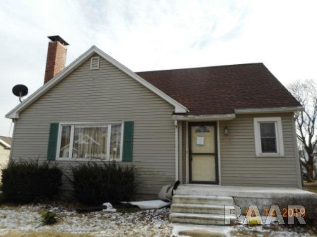 109 E 5TH Street, Gridley, IL 61744 (#PA1203928) :: Adam Merrick Real Estate