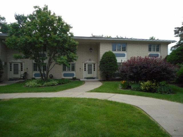 940 17TH, Moline, IL 61265 (#QC584) :: Killebrew - Real Estate Group