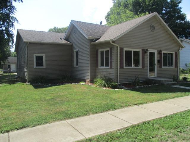 905 School Street, Henry, IL 61537 (#PA1207767) :: Killebrew - Real Estate Group