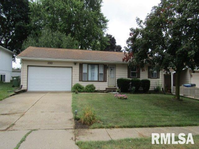 2313 S 13TH Avenue, Clinton, IA 52732 (#QC4204947) :: Killebrew - Real Estate Group