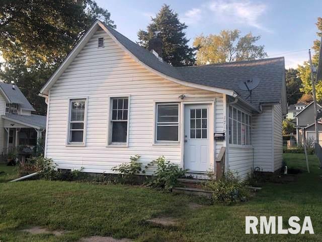 1710 W 8TH Street, Davenport, IL 52802 (#QC4206381) :: Adam Merrick Real Estate