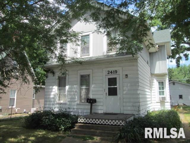 2419 6TH Avenue, Moline, IL 61265 (#QC4207471) :: Paramount Homes QC