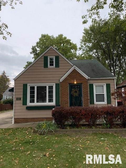 915 E Richwoods Boulevard, Peoria, IL 61603 (#PA1210670) :: Adam Merrick Real Estate