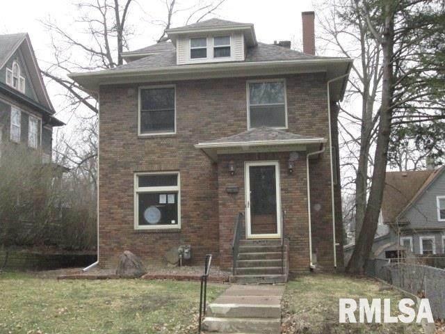 1206 22ND Street, Rock Island, IL 61201 (#QC4210565) :: The Bryson Smith Team