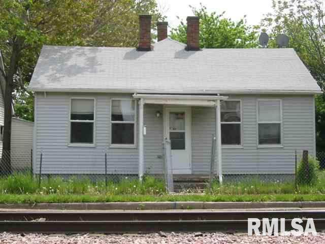 1133 W 5TH Street, Davenport, IA 52802 (#QC4210749) :: RE/MAX Preferred Choice