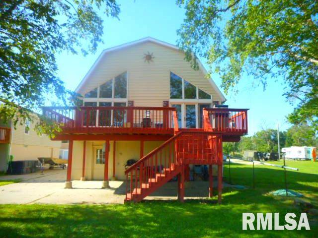 2011 S Shore Drive, Moline, IL 61265 (#QC4213845) :: RE/MAX Preferred Choice