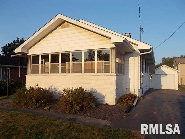 317 N Madison Street, Taylorville, IL 62568 (#CA1002741) :: RE/MAX Preferred Choice