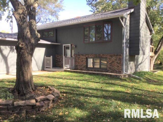 4812 52ND Avenue, Moline, IL 61265 (#QC4216149) :: Killebrew - Real Estate Group