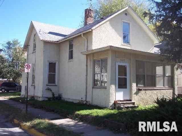 903 17TH Street, Rock Island, IL 61201 (#QC4217528) :: The Bryson Smith Team