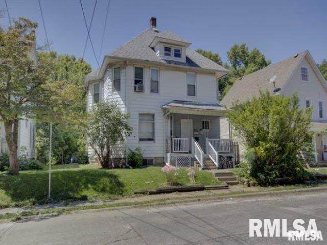 1121 14TH Street, Moline, IL 61265 (#QC4219780) :: Nikki Sailor   RE/MAX River Cities