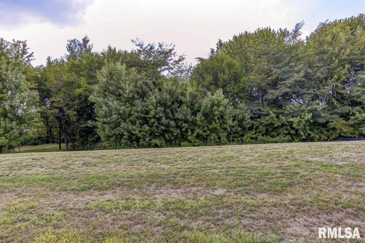 401 Ramblewood - Photo 1