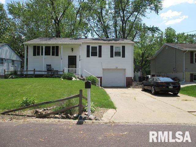 2218 W Winnebago Drive, Peoria, IL 61614 (#PA1225563) :: Nikki Sailor | RE/MAX River Cities