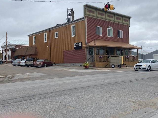 101 S Main Street, Donahue, IA 52746 (#QC4227739) :: RE/MAX Professionals