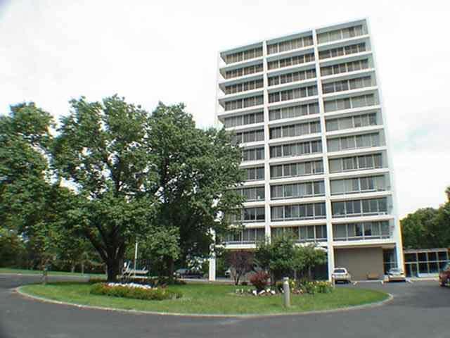 1337 21ST Avenue, Rock Island, IL 61201 (#QC4202325) :: Killebrew - Real Estate Group