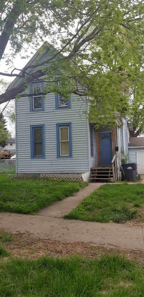 716 14TH Avenue, Clinton, IA 52732 (#QC4202732) :: Adam Merrick Real Estate