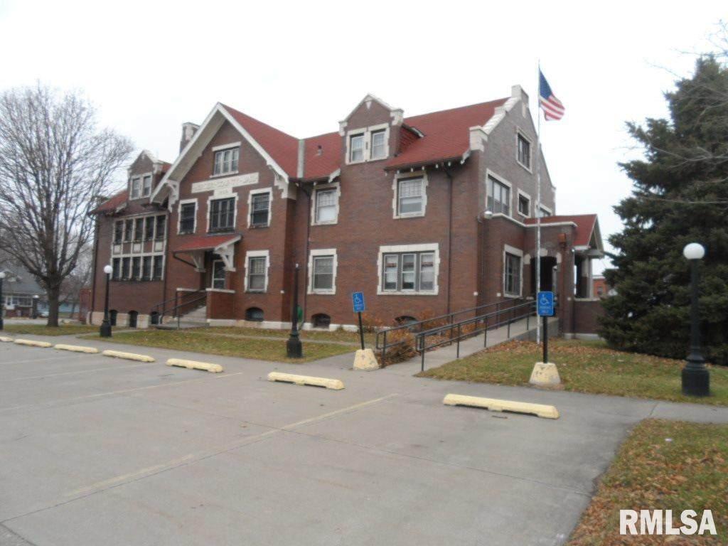 309 College - Photo 1