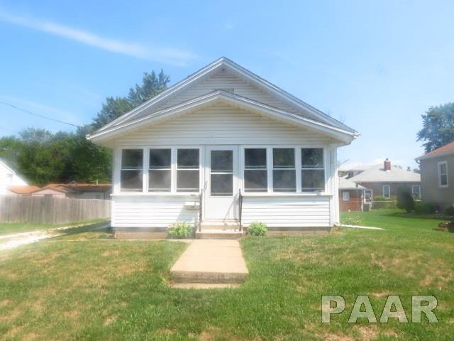 1209 Hamilton Street, Pekin, IL 61554 (#1185978) :: Adam Merrick Real Estate