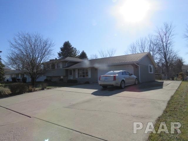 328 Simon Drive, East Peoria, IL 61611 (#1190324) :: Adam Merrick Real Estate