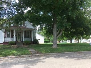 743 E Pine Street, Canton, IL 61520 (#1190813) :: The Bryson Smith Team