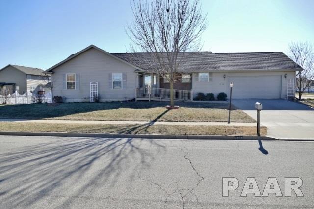 1204 Harborway, Chillicothe, IL 61523 (#1190968) :: Adam Merrick Real Estate