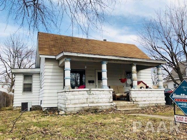 1213 Highland, Pekin, IL 61554 (#1191934) :: Adam Merrick Real Estate
