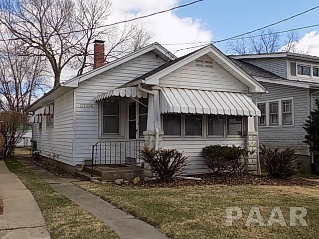 2704 N Missouri Avenue, Peoria, IL 61603 (#1192056) :: Adam Merrick Real Estate