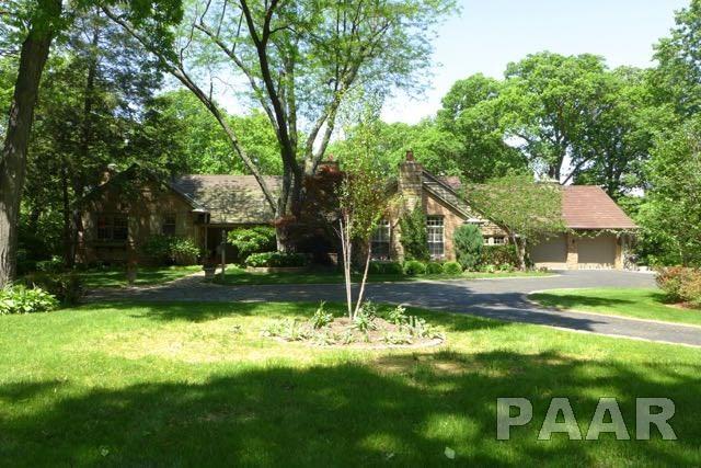8144 N Crab Orchard Court, Peoria, IL 61615 (#PA1192814) :: Adam Merrick Real Estate