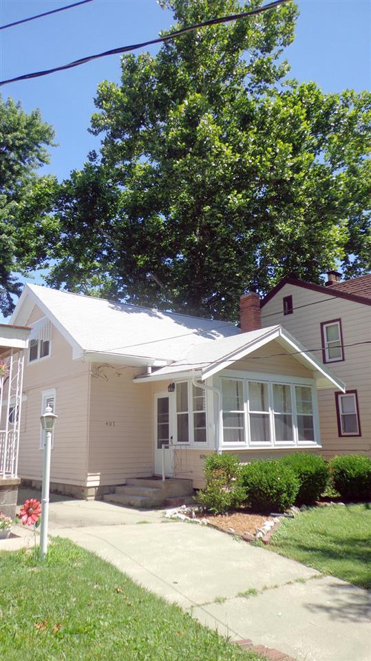 407 E Melbourne Avenue, Peoria, IL 61603 (#1195980) :: Adam Merrick Real Estate