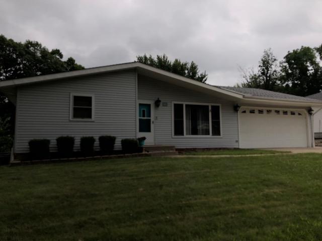 128 Lincoln Parkway, East Peoria, IL 61611 (#1196543) :: Adam Merrick Real Estate