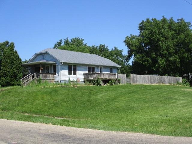 1304 Pine, Kewanee, IL 61443 (#1197812) :: Adam Merrick Real Estate