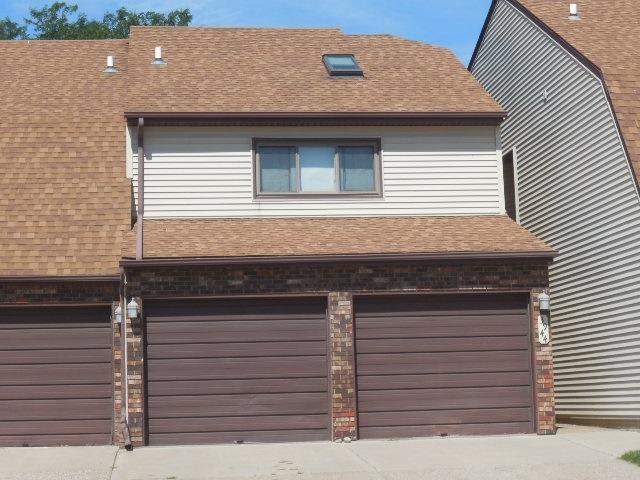3944D Partridge Circle, Bettendorf, IA 52722 (#QC857) :: Killebrew - Real Estate Group