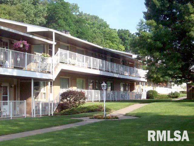 1104 Kimberly Road, Bettendorf, IA 52722 (#QC4222655) :: Nikki Sailor | RE/MAX River Cities