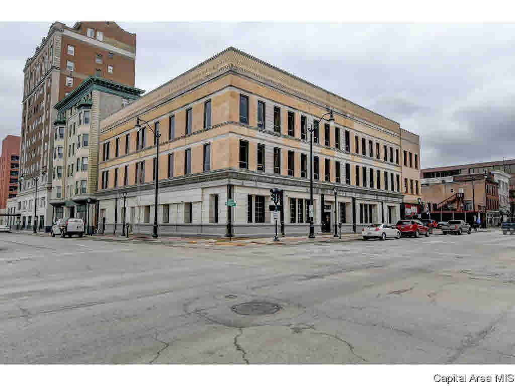 401 Washington Street - Photo 1