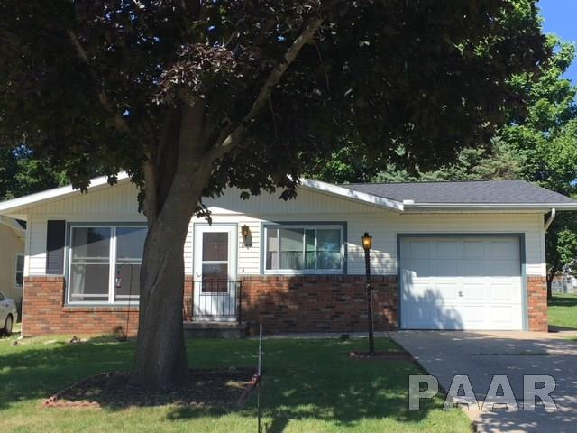 846 N 10TH Avenue, Canton, IL 61520 (#1187924) :: Adam Merrick Real Estate