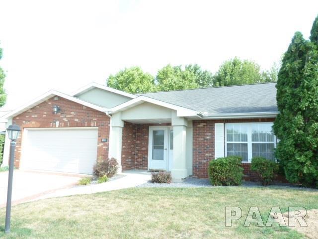 5333 W Flagstone Drive, Peoria, IL 61615 (#PA1197142) :: Adam Merrick Real Estate