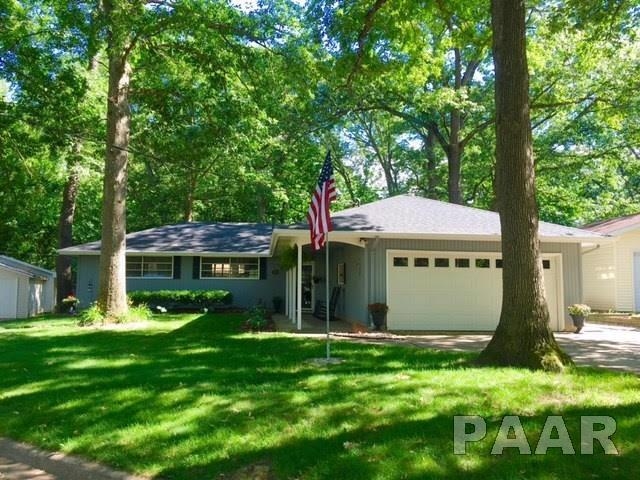 100 Edgewood Court, East Peoria, IL 61611 (#PA1199544) :: Adam Merrick Real Estate