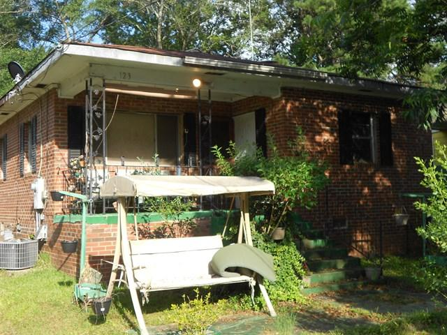 123 16th Ave S, PHENIX CITY, AL 36867 (MLS #66585) :: Bickerstaff Parham