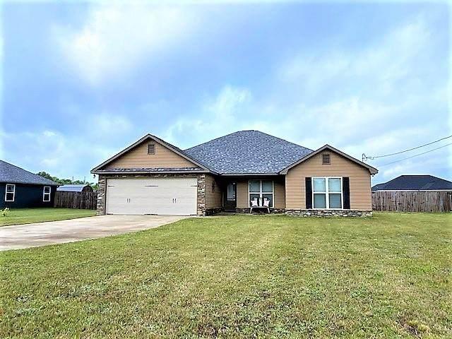 10 Wheatland Court, FORT MITCHELL, AL 36856 (MLS #82985) :: Kim Mixon Real Estate