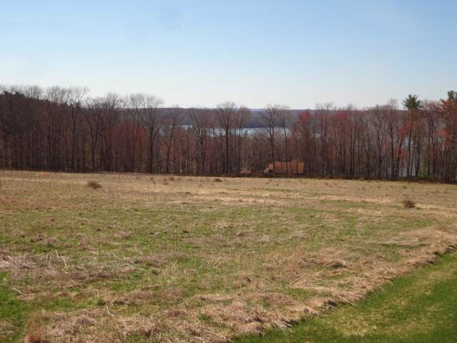 21 Calico Point Drive, Paupack, PA 18451 (MLS #17-1383) :: McAteer & Will Estates | Keller Williams Real Estate