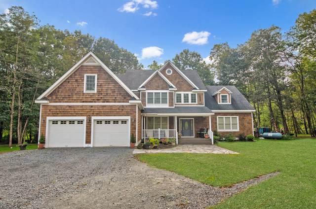 126 Field Bend Rd, Hawley, PA 18428 (MLS #18-4624) :: McAteer & Will Estates | Keller Williams Real Estate